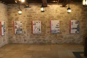Punamonumentide näitus Narva linnuses