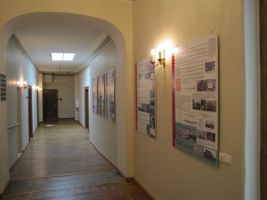 Punamonumentide näitus Viimsis