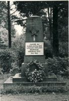 Monument II maailmasõjas langenute vennashaual Haljalas, RM F 1341:7, SA Virumaa Muuseumid, http://www.muis.ee/museaalview/1382065.
