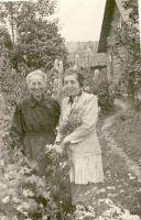 August Lillaka abikaasa Ludmilla Lillakas ja õde Ida Koldi, RM F 525:4, SA Virumaa Muuseumid, http://www.muis.ee/museaalview/1809693.