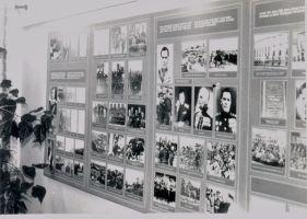 Kolhoosi kontoris oli nõukogude ajal nn Lembit Pärna memoriaaltuba (raamatukogu koridoris oli üks valgustatud stend). Vohnja raamatukogu.
