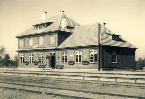 Vaeküla jaam. Foto: Carl Sarap, 1936, RM F 100:378, SA Virumaa Muuseumid, http://www.muis.ee/museaalview/952130.