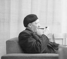 Prof H. Riikoja järvedeuurijate kokkutulekul, 4.12.1953. Foto: Udo Rips? ERM Fk 2613:31, Eesti Rahva Muuseum, http://www.muis.ee/museaalview/548471.