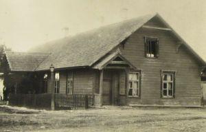 M. Sillaotsa sünnikoht, Rakke postijaam. Foto: M. Öömann, Koeru, 1900-1910. Eesti Kirjandusmuuseum.