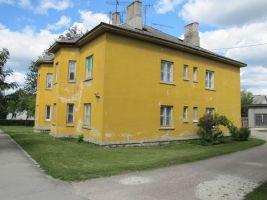 Nüüd asub pritsimaja kohal elumaja, aadressiga Faehlmanni tee 28. Foto: Heiki Koov, august 2010.