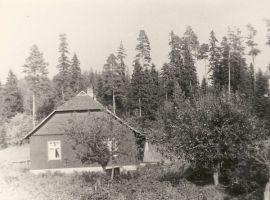 Erni Krusteni elupaik Voorel, RM F 485:6, SA Virumaa Muuseumid, http://www.muis.ee/museaalview/1874136.