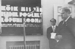 Kõneleb kooli Ervin Kukk. Rakvere Gümnaasiumi arhiiv.