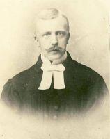 Rakvere Kolmainu koguduse abiõpetaja Valter Paucker, RM F 751:6, Virumaa Muuseumid SA, http://muis.ee/museaalview/1665173