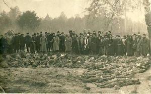 Kommunistide poolt hukatute haudade lahtikaevamine Palermos, RM F 1381:4, SA Virumaa Muuseumid, http://www.muis.ee/portaal/museaalview/1355788.