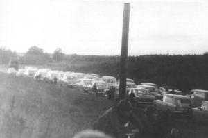 Autod Loksal, 21.09.1974. Väike-Maarja muuseumi kogu.