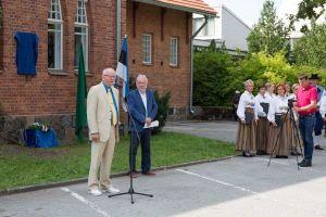 Avamisürituse fotode autorid: Ain Paloson ja Erik Lööper. Kõneleb Soome Suursaatkonna sõjaväe atašee abi Ari Harjula.