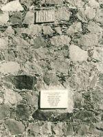Mälestustahvel Kiltsi mõisas hukatud punakaartlaste mälestuseks, 1977. RM F 1014:12, SA Virumaa Muuseumid, http://www.muis.ee/museaalview/1613941.