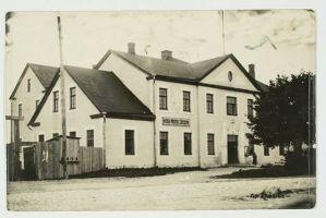 Väike-Maarja Ühispank ja seltsimaja, ERM Fk 2966:342, Eesti Rahva Muuseum, http://www.muis.ee/museaalview/2274865.