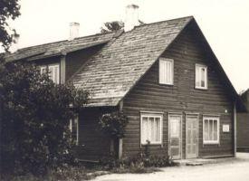 Jakob Tamme maja Väike-Maarjas 8. sept. 1961. a. KM EKLA, A-37:2332 https://kreutzwald.kirmus.ee/et/lisamaterjalid/ajatelje_materjalid?item_id=137&page_start=&table=Persons