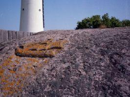 Kivisse raiutud purjelaeva kujutis Vaindloo saare piirivalvekordoni aia taga, MM F 1898/13, Eesti Meremuuseum SA, http://www.muis.ee/museaalview/2839030.
