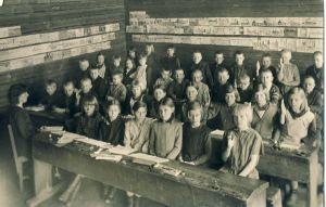 Tudu kooli klassiruumis, RM F 1154:6, SA Virumaa Muuseumid, http://www.muis.ee/museaalview/1545030.