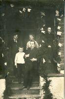 Jüri Parijõgi koos õe ja vendadega, RM F 738:1, SA Virumaa Muuseumid, http://www.muis.ee/museaalview/1742224.
