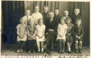 Vasta algkooli õpilased,1935, RM F 1321:2, SA Virumaa Muuseumid, http://www.muis.ee/museaalview/1418343.